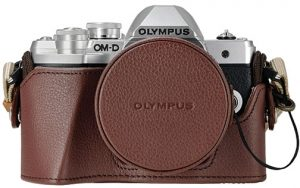 Olympus-OM-D-E-M10-Mark-III-w-jacket-lens-cover