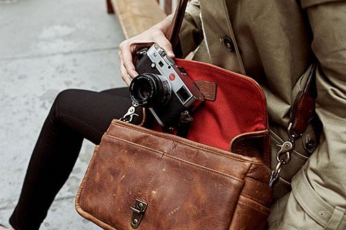 Leica Ona Bag Lifestyle Thumb