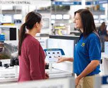 Best-Buy-Blue-Shirt-w-customer
