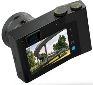 Zeiss-ZX1-LCD